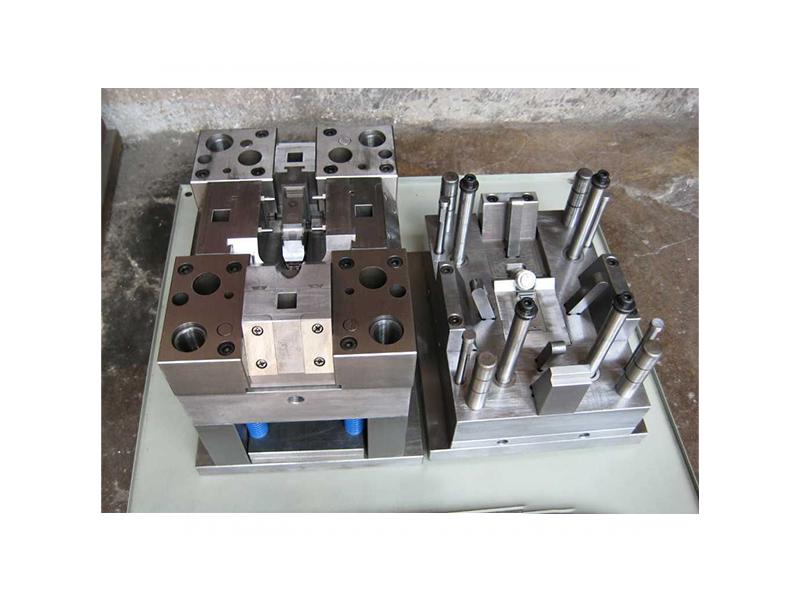 家电压铸模具